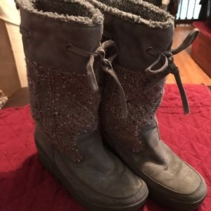 Shoes - Super cute winter boots